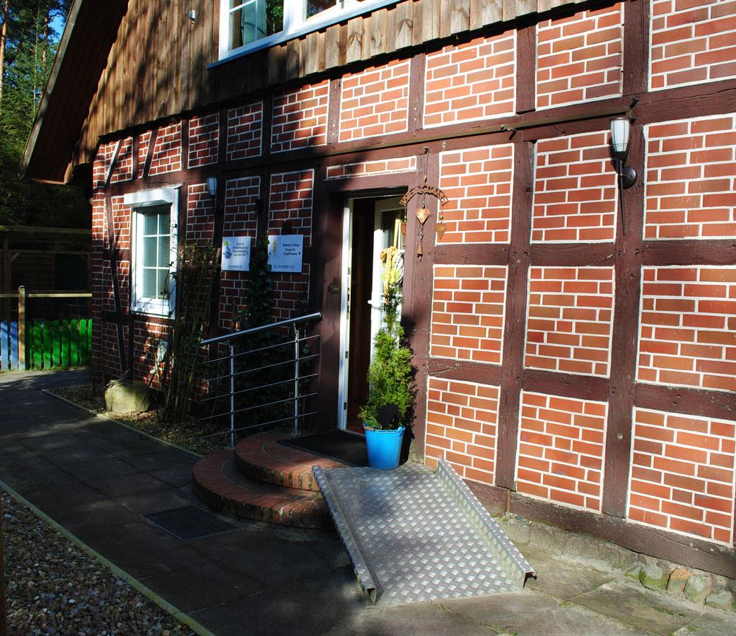 Eingang Praxis für Ergotherapie Balance Cottage